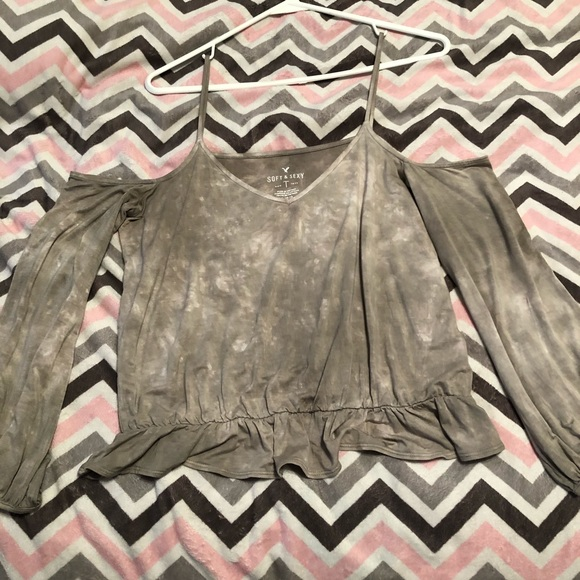 American Eagle Outfitters Tops - AE off shoulder shirt!